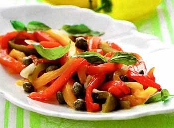 Постный салат с перцем и шпинатом